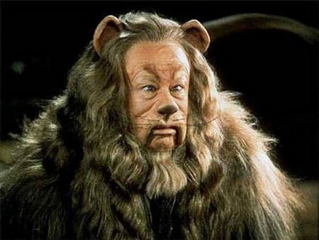 the cowardly lion the wizard of oz 4109278 550 456 Iconic movie props that sold for an insane amount of money (17 Photos)