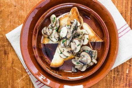 Garlic Mushrooms on toast with egg