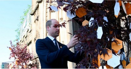 Prince William Attends Service Honoring Manchester Bombing Victims 1 Year After the Attack
