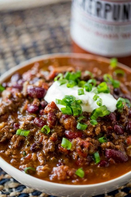 An EASY, classic Slow Cooker Beef Chili that takes no effort at all and is a perfect winter meal your family will love for dinner or for a game day treat!