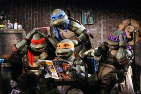 teenage mutant ninja turtles 1990 768x512 The 90s were the best decade for superhero films bold statement, I know (18 Photos)