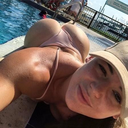 rae lynchfit 31556356 683066778752195 7695303749035622400 n The Butt Over Back (B.O.B.) has returned for good (60 Photos)