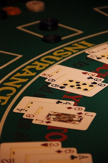 casino cards play gambling game table chips 698154 Tips to help you survive Las Vegas a.k.a. Sin City (18 Photos)