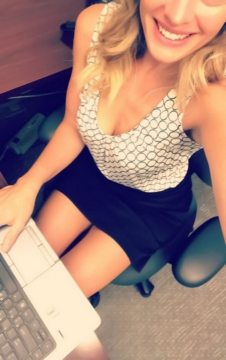 bc68551f280294601e7620ac35c69978 width 600 Chivettes bored at work (38 Photos)