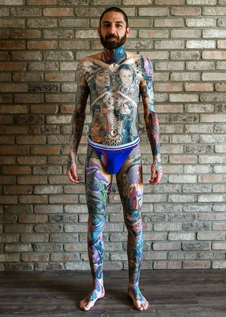 dude sets a guinness record for the most marvel tattoos x photos 2510 Dude sets a Guinness Record for the most Marvel tattoos (35 Photos)