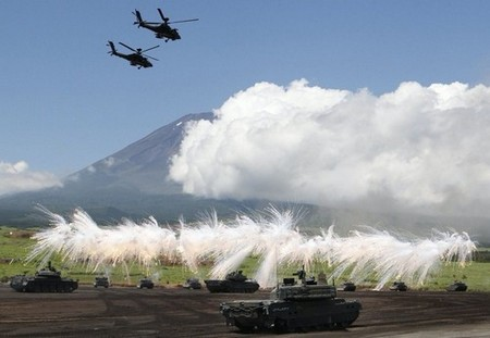 perfectly timed firepower in high res 99 hq photos 15 Perfectly timed FIREPOWER in High Res (99 HQ Photos)