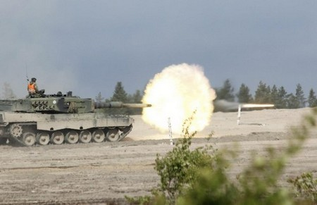 perfectly timed firepower in high res 99 hq photos 25 Perfectly timed FIREPOWER in High Res (99 HQ Photos)