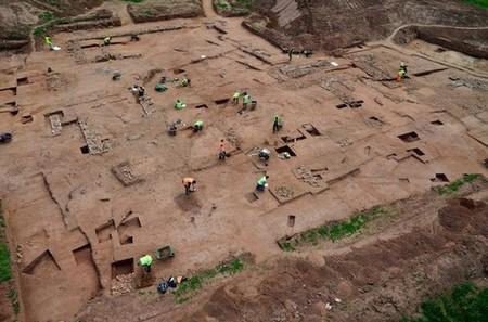 lifebuzz 0335254fcc8029fcad38e0e87bda05be limit 2000 Real life buried treasures found at construction sites (14 Photos)