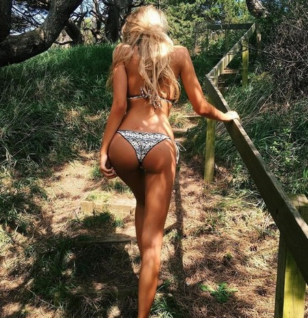 63f5774e83d379ce68f94a25f43e2885 The flood gates for bikini season have opened (97 Photos)