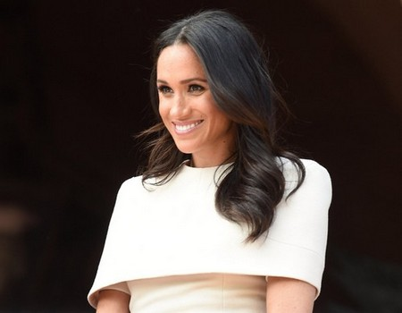 CHESTER, ENGLAND - JUNE 14: Meghan, Duchess of Sussex and Queen Elizabeth II (not pictured) visit Chester Town Hall on June 14, 2018 in Chester, England. Meghan Markle married Prince Harry last month to become The Duchess of Sussex and this is her first engagement with the Queen. During the visit the pair will open a road bridge in Widnes and visit The Storyhouse and Town Hall in Chester. (Photo by Eddie Mulholland/WPA Pool/)
