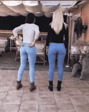 those jeans are lookin like a tight squeeze gif edition 20 gifs 186 Those jeans are lookin' like a tight squeeze: GIF Edition (20 GIFs)