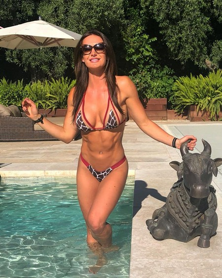 whitneyjohns mulholland drive 876322807808 n Girls with six packs, intimidating or hot? you be the judge (52 Photos)