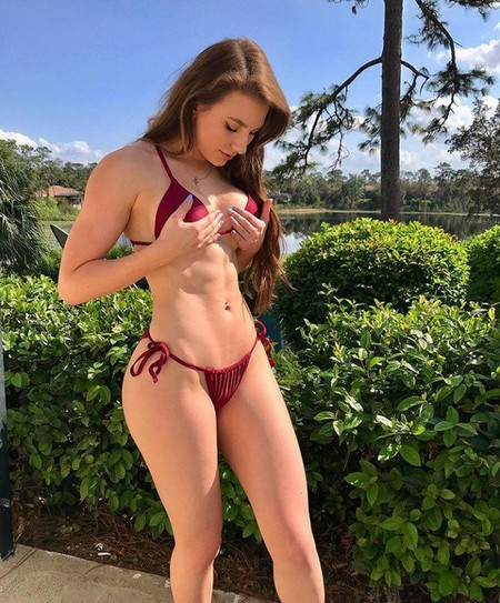 e78e1730f61babae8297805bb966201f Girls with six packs, intimidating or hot? you be the judge (52 Photos)