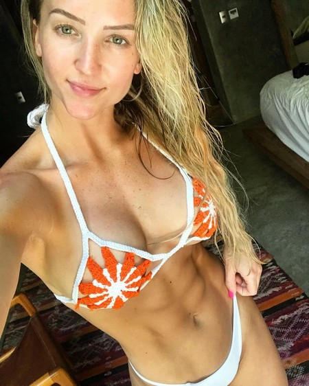jordanke 35425542 2052781885049888 9145539781977964544 n Girls with six packs, intimidating or hot? you be the judge (52 Photos)