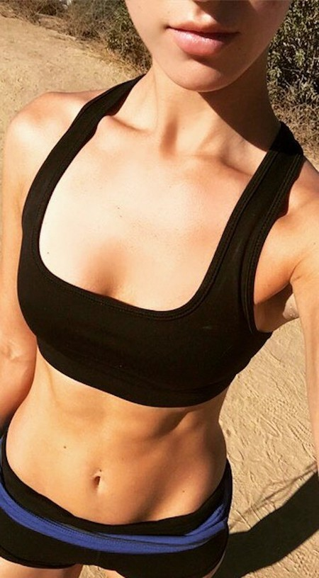abs 25 Girls with six packs, intimidating or hot? you be the judge (52 Photos)