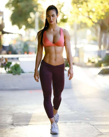 lee lhgfx culver city california 660935143424 n Girls with six packs, intimidating or hot? you be the judge (52 Photos)
