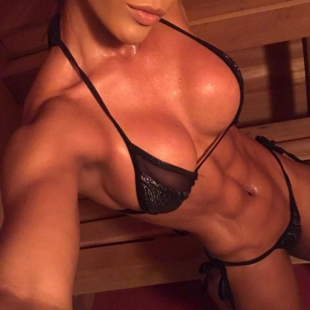 yarishna 35256105 182764969078557 5968600473681264640 n Girls with six packs, intimidating or hot? you be the judge (52 Photos)