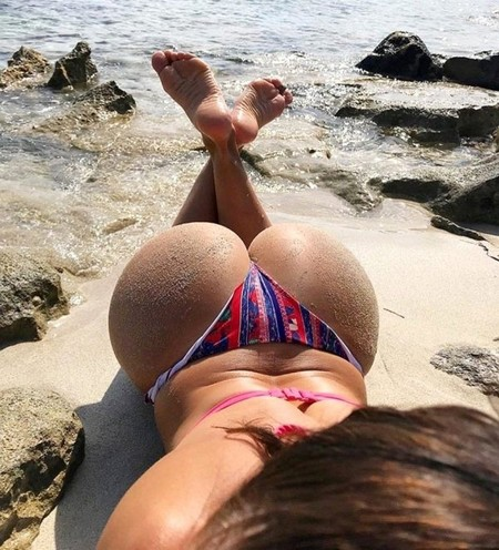 5f00a3ccc93f18f565a488544d92344a The Butt Over Back is making Thursday the best day of the week (48 Photos)