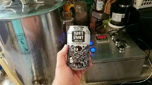 f22e37d84a0e51c949ad0686a3e361a4 Beer cans as cool as the beer itself (56 photos)