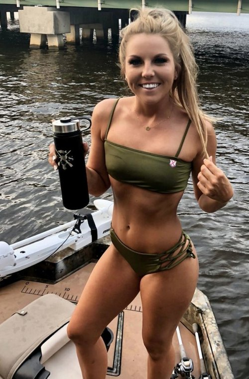 country girl pursuing a gunsmith degree in college 9 Country girl pursuing a gunsmith degree in college (36 Photos)