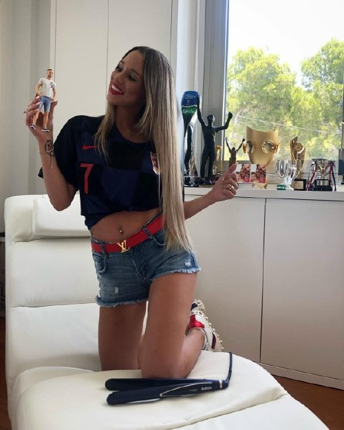 girls who watch sports are heating up during these dog days of august 35 photos 254 Girls who watch sports are heating up this summer (35 Photos)