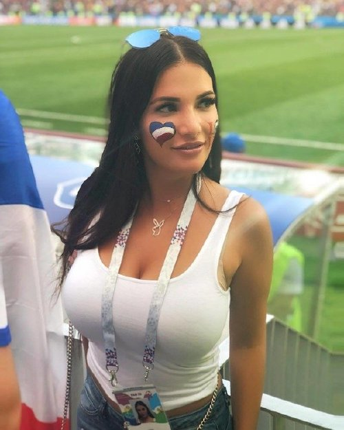 girls who watch sports are heating up during these dog days of august 35 photos 259 Girls who watch sports are heating up this summer (35 Photos)
