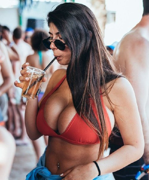 76460c0ebd1c0b90c6b43d8b576f5369 Its not a mirage, its FLBP (60 Photos)