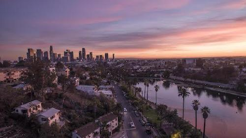 echo park lake with downtown los angeles skyline Ranking the US cities with the most nice days (22 photos)