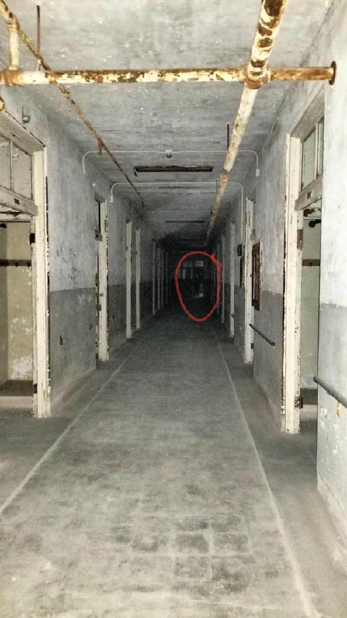 still dont believe in ghosts take a closer look xx photos 12 Still dont believe in ghosts? Take a closer look! (20 Photos)