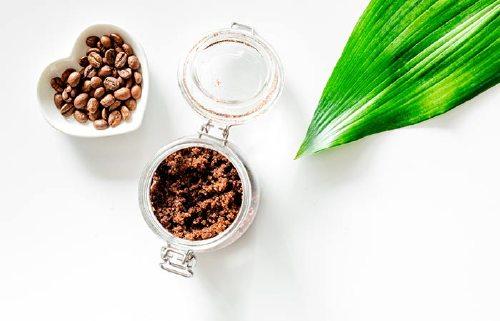 2. Coffee And Coconut Oil Scrub