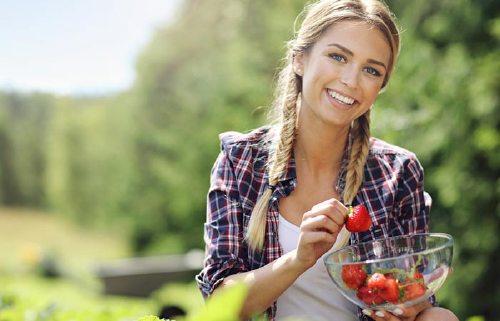4. Strawberries To Shoo Away The Sunburns