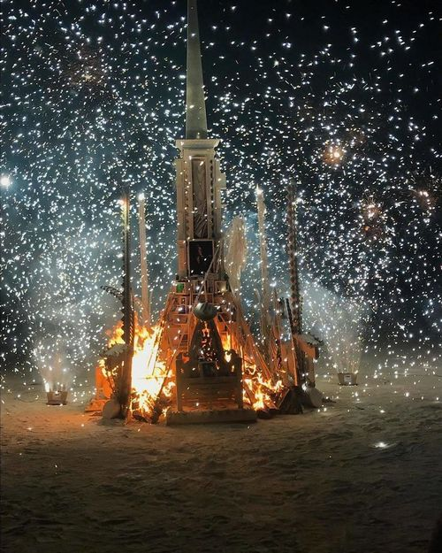 bnndgadfrou png 700 Burningman is like going to another planet (45 Photos)