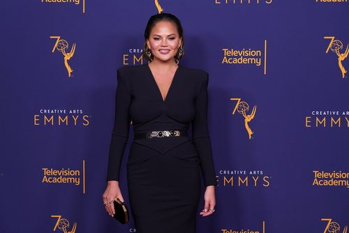Chrissy Teigen Says Eating Her Placenta Helped With Her Postpartum Depression