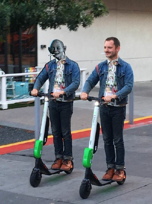 elijah wood photoshop 2 Frodo on a scooter gets the photoshop treatment (18 Photos)