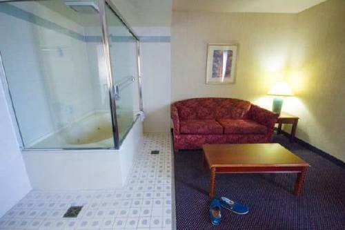 Hotels putting the WTF in your vacation (26 Photos)