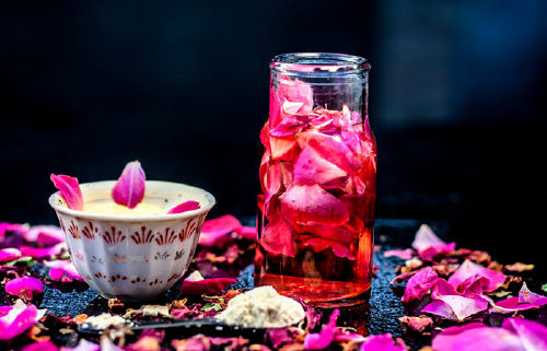 3. Sandalwood And Rose Water