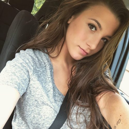 alexis graydon 38680811 1777360179026026 8668525759008079872 n Roundhouse kick of selfies to the face (81 Photos)