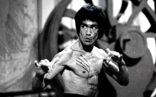 wine kung fu bruce lee 2 1 e1498768115625 The most lethal martial arts ever created (20 Photos)