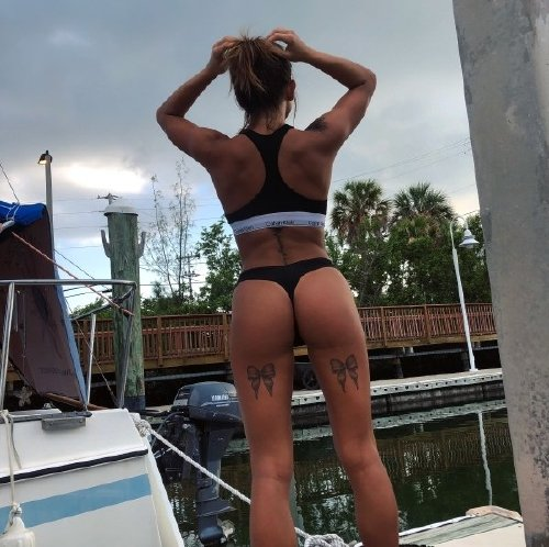 7b1efbdec681d50ce1755e76824aabb5 There are Sexy Chivers among us (68 Photos)