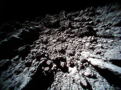 two japanese probes landed on an asteroid and the pictures are amazing xx photos 4 Two Japanese probes landed on an asteroid and the pictures are amazing (10 Photos)