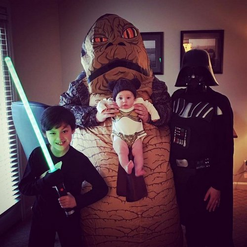 family halloween costumes 9 Fact: Families who dress together for Halloween get the most candy (45 Photos)