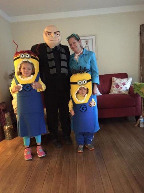 family halloween costumes 13 Fact: Families who dress together for Halloween get the most candy (45 Photos)