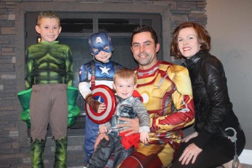 family halloween costumes 14 Fact: Families who dress together for Halloween get the most candy (45 Photos)