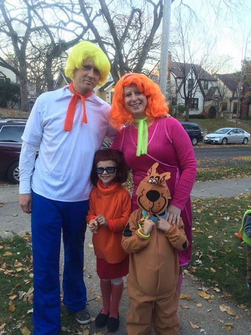 family halloween costumes 18 Fact: Families who dress together for Halloween get the most candy (45 Photos)
