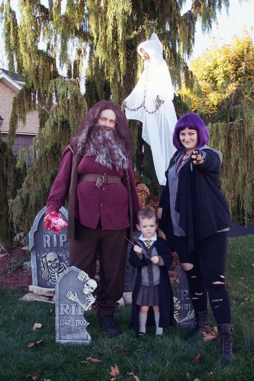 family halloween costumes 20 Fact: Families who dress together for Halloween get the most candy (45 Photos)