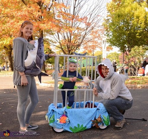 family halloween costumes 22 Fact: Families who dress together for Halloween get the most candy (45 Photos)