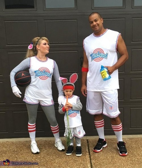 family halloween costumes 23 Fact: Families who dress together for Halloween get the most candy (45 Photos)