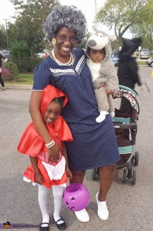 family halloween costumes 252 Fact: Families who dress together for Halloween get the most candy (45 Photos)