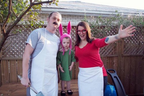 family halloween costumes 21 Fact: Families who dress together for Halloween get the most candy (45 Photos)