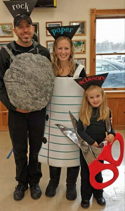 family halloween costumes 17 Fact: Families who dress together for Halloween get the most candy (45 Photos)